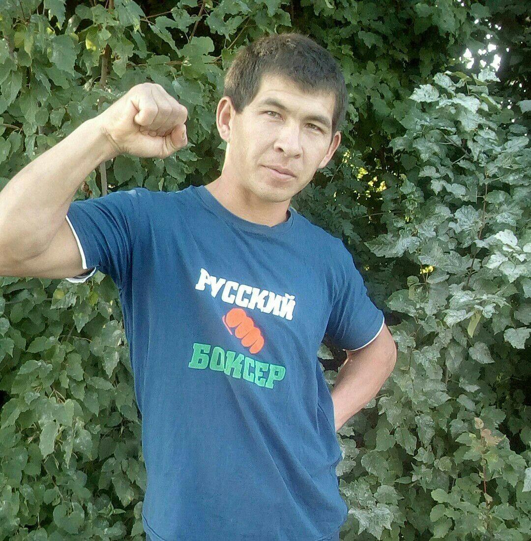 Знакомства Курск, фото мужчины Миша, 34 года, познакомится для флирта, любви и романтики, cерьезных отношений