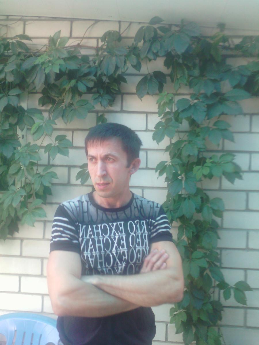 Знакомства Лабинск, фото мужчины Константин, 41 год, познакомится для флирта, любви и романтики, cерьезных отношений