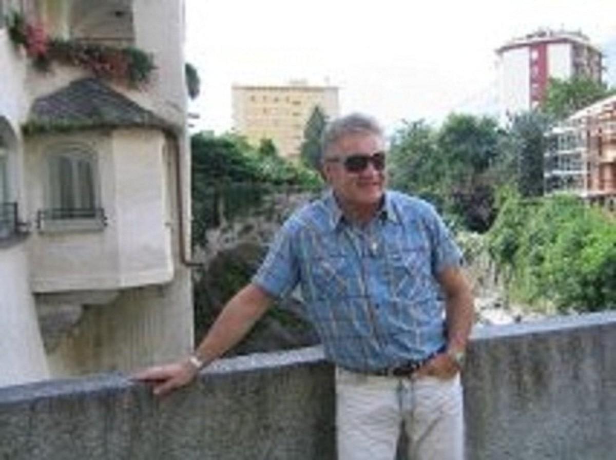 Знакомства Apex, фото мужчины Johnson, 58 лет, познакомится для флирта, любви и романтики, cерьезных отношений