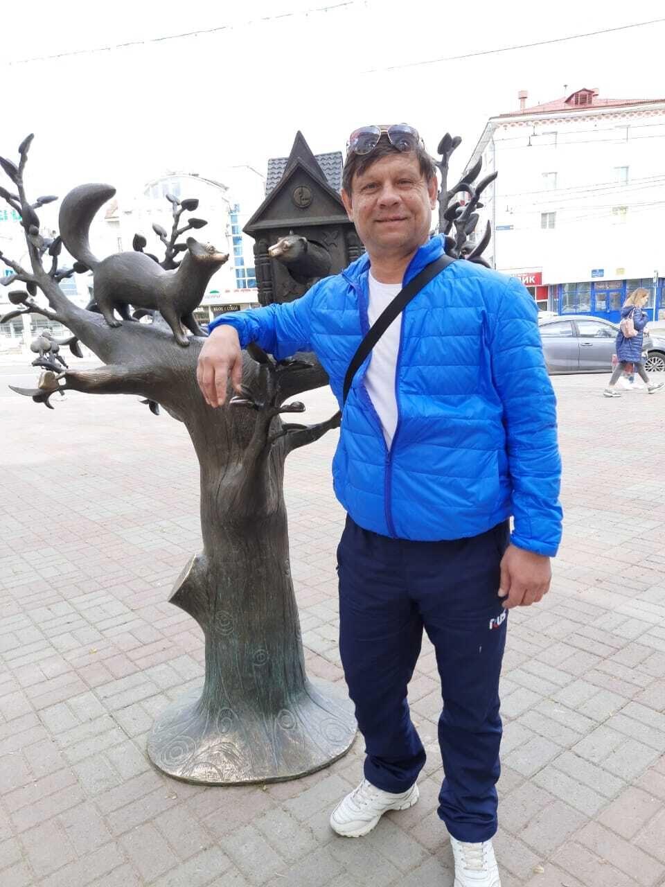 Знакомства Уфа, фото мужчины Владимир, 53 года, познакомится для флирта, любви и романтики
