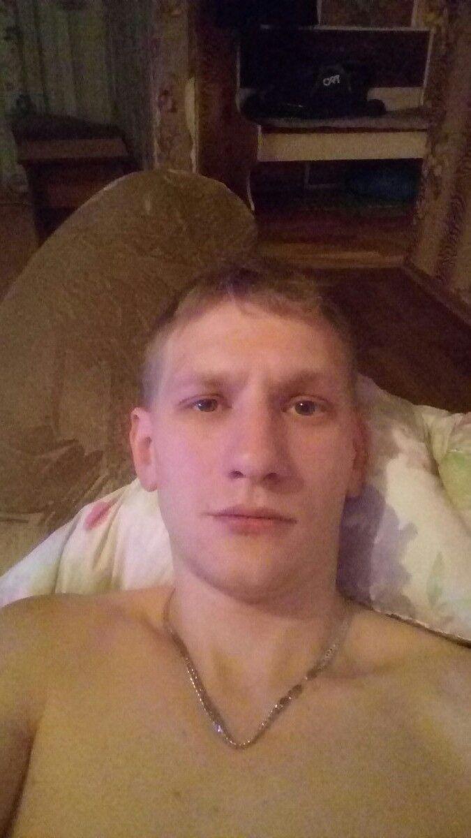 Знакомства Ленинск-Кузнецкий, фото мужчины Евгений, 27 лет, познакомится для флирта, любви и романтики, cерьезных отношений