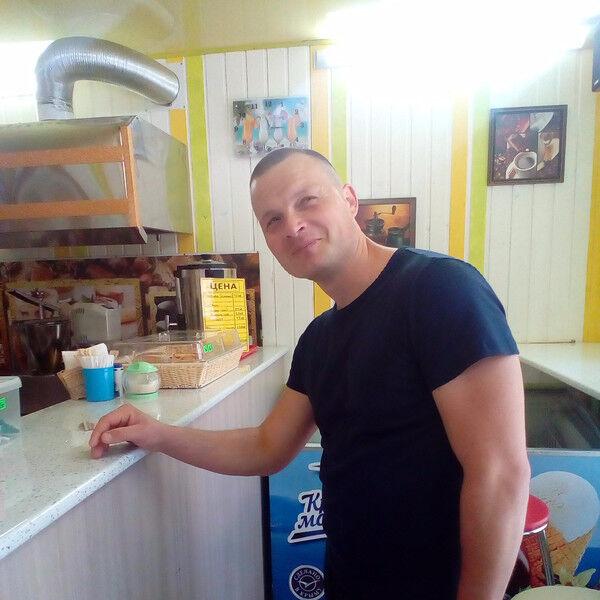 Знакомства Черноморское, фото мужчины Максим, 37 лет, познакомится для флирта, любви и романтики, cерьезных отношений