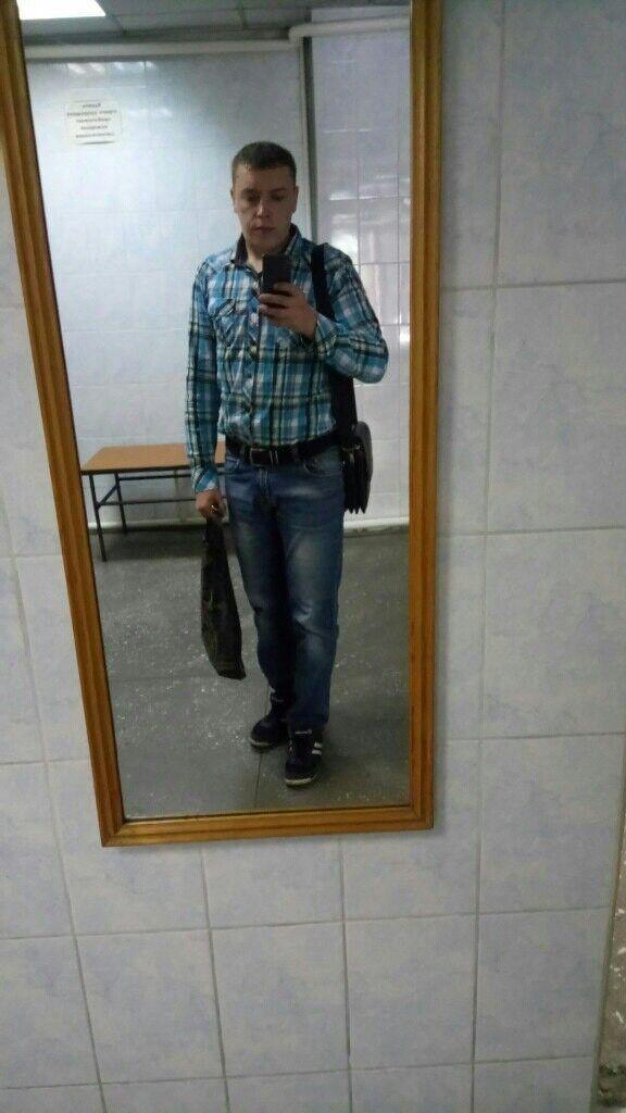 Знакомства Кемерово, фото мужчины Артём, 29 лет, познакомится для флирта, любви и романтики, cерьезных отношений
