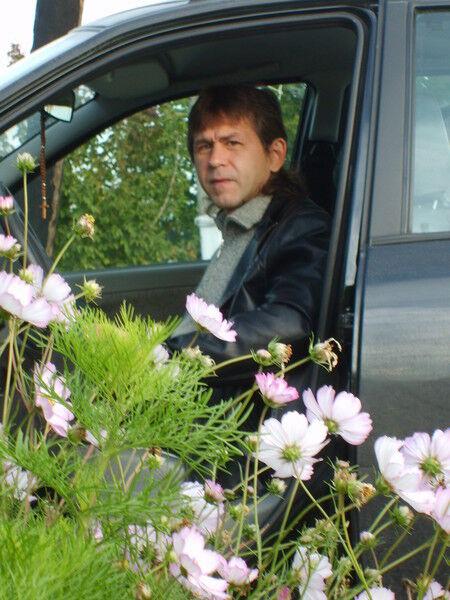 Знакомства Старый Оскол, фото мужчины Вячеслав, 52 года, познакомится для флирта, любви и романтики, cерьезных отношений