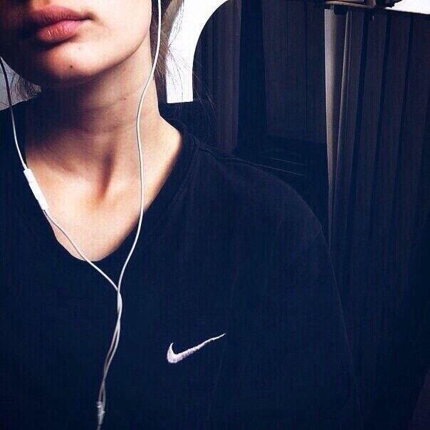 Знакомства Москва, фото девушки Евгения, 23 года, познакомится для флирта, любви и романтики, cерьезных отношений