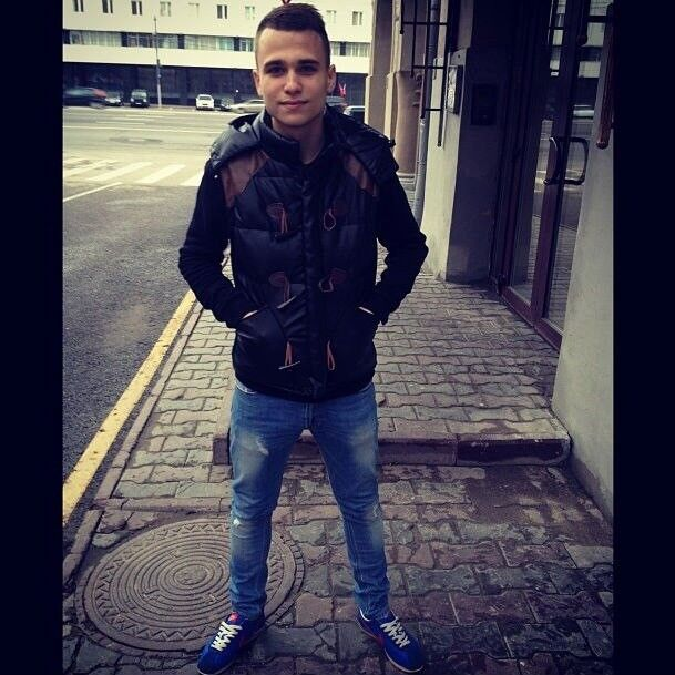 Знакомства Алушта, фото парня Игорь, 23 года, познакомится для флирта, любви и романтики, cерьезных отношений